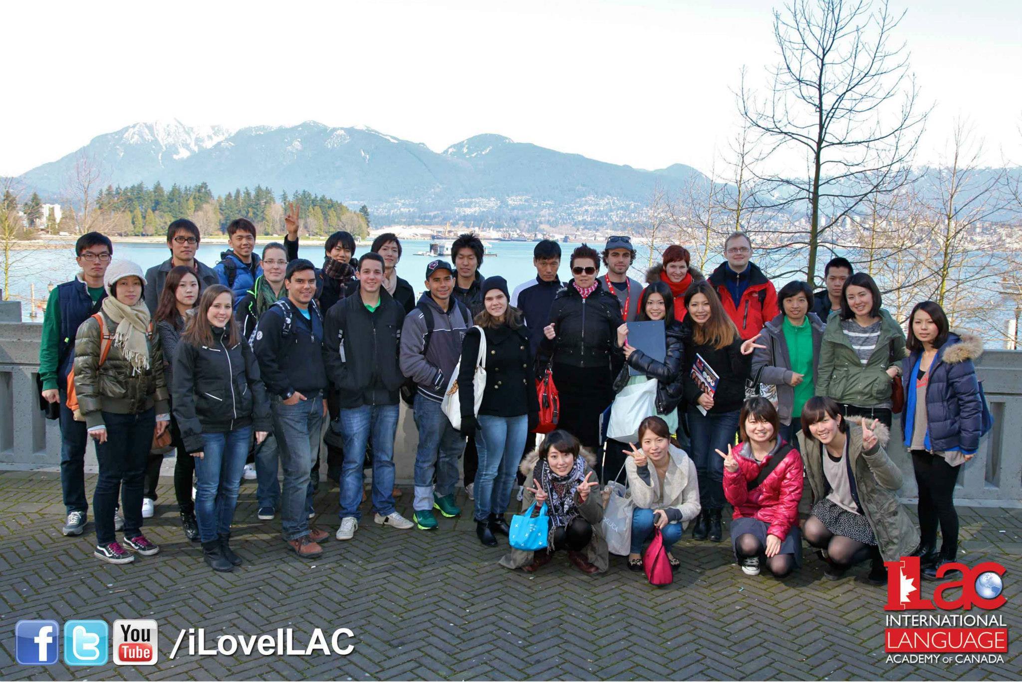 Společná fotka všech studentů