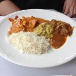 Butter Chicken, Beef curry a prostřední už si nepamatujeme :)