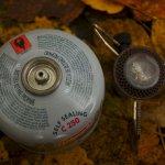 VAR 2 lze použít i s plynovými bombami jiných výrobců, třeba tahle je od Colemana.