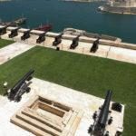 Baterie dobových děl ve Vallettě