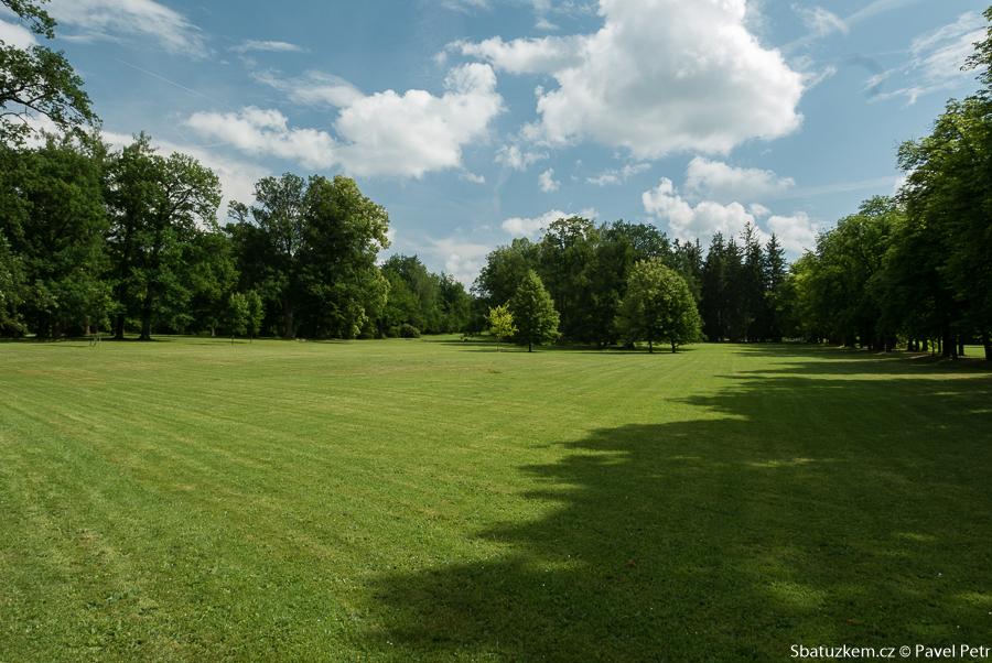 Pohled do parku II.