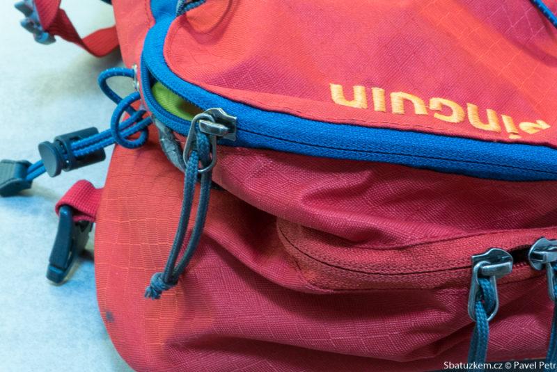V horní části po stranách batohu totiž není látka nijak zpevněná 81057cf4f0
